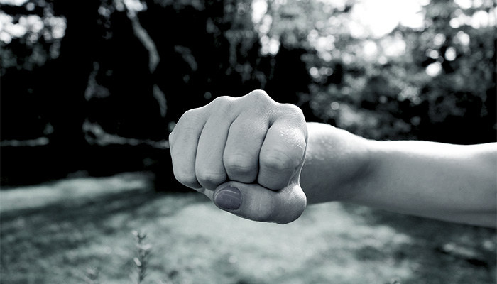 自傷行為を本当にやめさせたいのなら、世間一般論で語ってはいけない